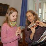 Kinder lernen Flöte